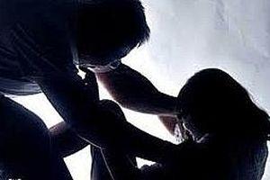 Bắt giữ 4 thanh niên giở trò đồi bại với bé gái 14 tuổi