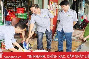 Bán hàng 'quá đát', một cơ sở kinh doanh bánh kẹo ở TP Hà Tĩnh bị xử phạt