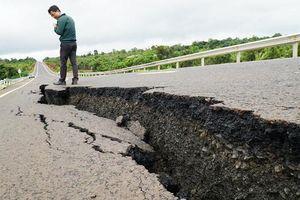 Xác minh nguyên nhân đường 250 tỷ vừa làm xong đã nứt toác hàng trăm mét
