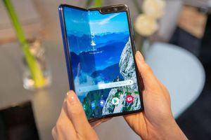 Trải nghiệm Galaxy Fold - đã sửa lỗi màn hình, sắp bán ra