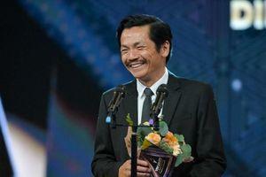 VTV Awards 2019: NSND Trung Anh đoạt giải nam diễn viên ấn tượng của năm