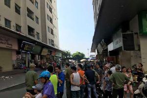 4 người cấp cứu sau tiếng nổ lớn gần chung cư Linh Đàm - Hà Nội