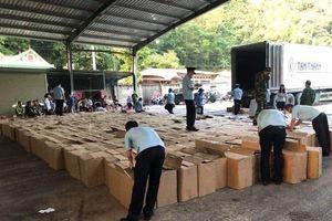 Lạng Sơn: Phát hiện xe container chở gần 13 tấn pháo nổ nhập lậu từ biên giới