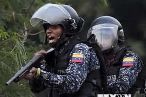 Venezuela triển khai hơn 3.000 binh sỹ tới biên giới với Colombia