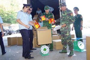 Phát hiện xe container vận chuyển 13 tấn pháo nổ nhập lậu tại Lạng Sơn