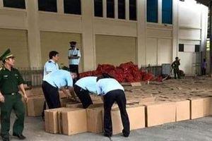 Gần 13 tấn pháo nổ chở lậu được đội lốt rau củ