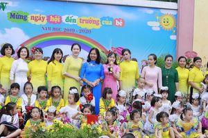 Hà Nội hỗ trợ học sinh và giáo viên hoàn cảnh khó khăn trong năm học mới