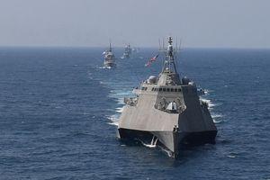 Khí tài các nước phô diễn uy lực trong cuộc tập trận đầu tiên giữa Mỹ và ASEAN