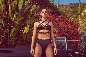Siêu mẫu Irina Shayk diện bikini khó hiểu hậu chia tay