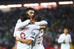 Ronaldo ghi bàn, Bồ Đào Nha lấy lại hy vọng ở vòng loại EURO 2020