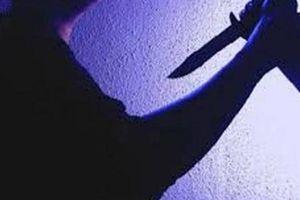 Can ngăn chồng trẻ đánh vợ, bảo vệ Trung tâm Y tế huyện bị đâm chết