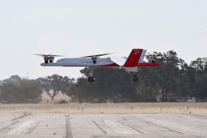 Máy bay không người lái nặng hơn nửa tấn bay thử thành công