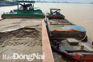 Lần đầu tiên xét xử đối tượng khai thác cát trái phép