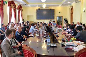 Tọa đàm giao lưu ngôn ngữ và văn hóa Việt-Nga