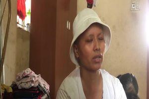 Clip: Người phụ nữ mắc bệnh ung thư và nỗi buồn khi căn nhà bị 'hố tử thần nuốt chửng'