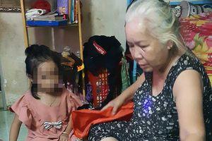 Vợ chồng già nhận đứa trẻ bị bỏ rơi làm con nuôi