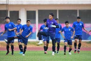 Tawan khuyên cầu thủ Thái đừng cứng nhắc với đấu pháp của HLV