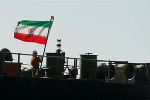 Tàu Iran bán sạch dầu: Mỹ hết cách