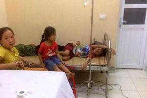 Thanh Hóa: Hơn 40 người nhập viện sau bữa cỗ mừng nhà mới