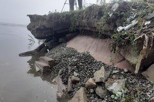 Hà Tĩnh: Đê biển hơn 300 tỉ đồng sạt lở trơ 'hàm ếch' sau mưa lũ
