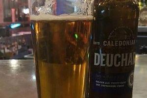 Anh: Thực khách sốc nặng vì cốc bia giá 1,5 tỷ đồng