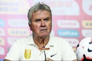 HLV Guus Hiddink nói gì sau thất bại trước U22 Việt Nam của thầy Park