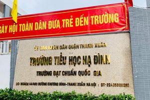 Hàng trăm phụ huynh Trường tiểu học Hạ Đình cho con nghỉ học sau vụ cháy