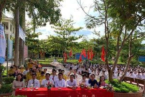 Gần 90.000 học sinh vùng lũ khai giảng năm học mới