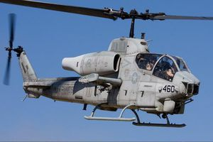 Việt Nam chớp thời cơ 'mua rẻ' trực thăng vũ trang AH-1W Super Cobra của Mỹ?
