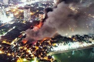 Lo ngại ảnh hưởng khí độc từ đám cháy Rạng Đông, hơn 300 học sinh nghỉ học