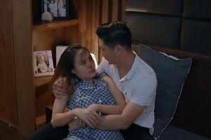 'Hoa hồng trên ngực trái' tập 11: Khuê từ chối gần gũi Thái vì không muốn chung chạ