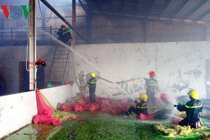 Cháy công ty sản xuất nệm ở khu công nghiệp Bình Hòa
