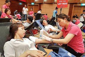 Hàng nghìn đoàn viên Khối Doanh nghiệp T.Ư tham gia hiến máu