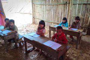Xót lòng lớp học dưới mưa ở Pá Sập, Lai Châu