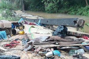 Đổ tường sau mưa lớn, 3 thợ xây tử vong