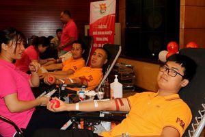 Tuổi trẻ Dầu khí tham gia 'Sẻ chia giọt máu đào, gửi trao niềm hy vọng'