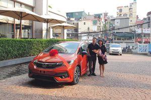 'Dành cả thanh xuân' gắn bó với công ty, nữ nhân viên được sếp tặng ô tô hơn nửa tỉ nhân dịp sinh nhật