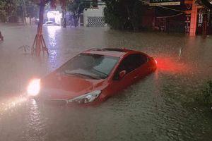Mưa to kéo dài khiến nhiều tuyến đường ở Thái Nguyên ngập sâu, giao thông chia cắt