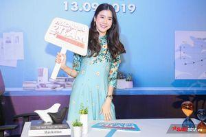 Esther Supreeleela diện áo dài cực đẹp, đội thêm nón lá khi giao lưu với fan Việt Nam