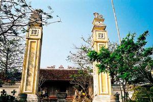 Giải mã tục thờ Tứ Vị Thánh Nương Tục thờ Tứ Vị Thánh Nương là một trường hợp độc đáo trong tín ngưỡng thờ Mẫu của người Việt, phản ánh tâm thức của người Việt về một nữ thần ngoài nước du nhập vào Việt Nam.