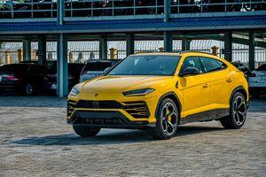 Lamborghini Urus mới nhất cập cảng Hải Phòng với tông màu Giallo Auge