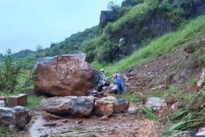 Mưa lớn, nhiều tuyến đường ở Hà Giang ngập sâu, sạt lở