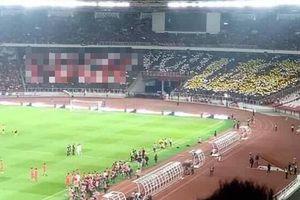 Nhọ như fan Indonesia: Giăng biểu ngữ khinh thường đối thủ nhưng sau cùng lại phải chứng kiến đội nhà thua đau