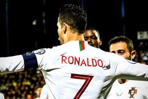 Ronaldo sắp bắt kịp huyền thoại châu Á về thành tích ghi bàn cho ĐTQG