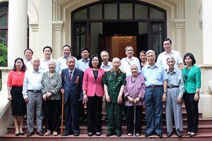 Lãnh đạo TP Hà Nội gặp mặt Ban liên lạc các chiến sĩ Việt Minh thành Hoàng Diệu