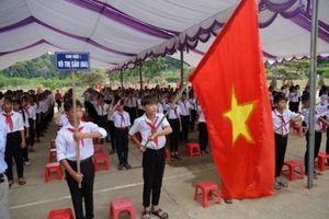Học sinh vùng lũ Quảng Bình khai giảng muộn