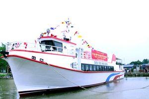 Hạ thủy tàu siêu tốc Hòa Bình