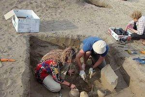 Sự thực khai quật xác ướp, tìm thấy 'iPhone' gây choáng?
