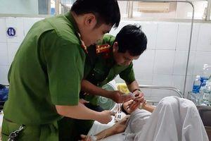 Cán bộ chiến sĩ đến tận bệnh viện cứu giúp dân gặp cảnh ngặt nghèo