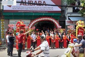 Xử phạt hành chính công ty treo biển địa ốc Alibaba khi khai trương